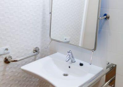 erania-samodzielna-czesc-mieszkalna-Badezimmer-682x1024
